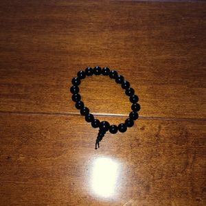 I'm selling a black bracelet from Claire's